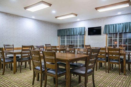 Albany, Миннесота: Meeting Room