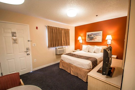 Suburban Extended Stay Hotel - Stuart : Guest room with queen bed