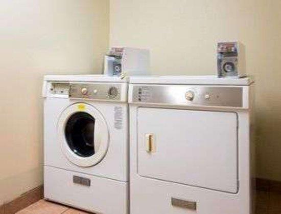 Horn Lake, MS: Laundry