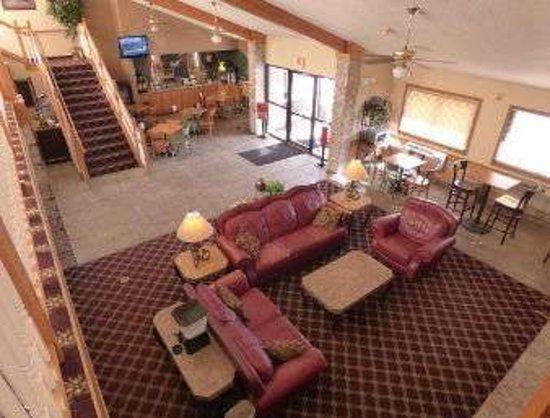 Lakeville, MN: Lobby