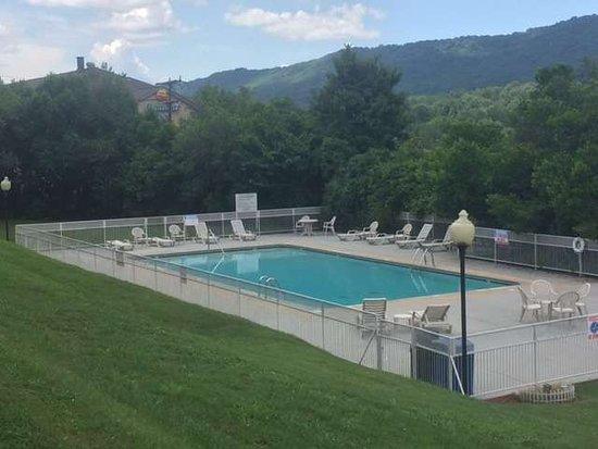 Harriman, TN: Pool