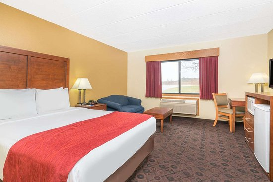 Baymont by Wyndham Kasson Rochester Area: Guest room