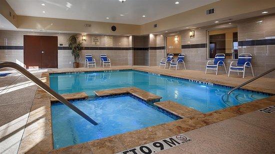 Best Western Plus Manvel Inn & Suites: Indoor Swimming Pool and Hot Tub