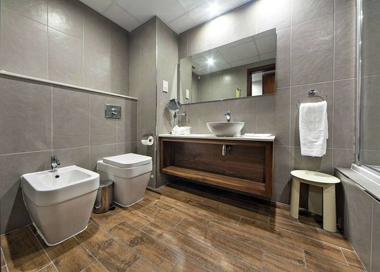 Golden Tulip Vivaldi Hotel: Golden Tulip Vivaldi Bathroom