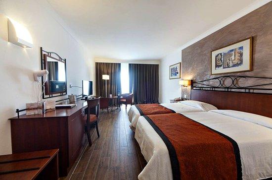 Golden Tulip Vivaldi Hotel: Superior room
