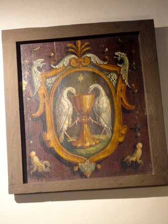 Antica Farmacia Dei Monaci Camaldolesi.Il Logo Dei Monaci Benedettini Camaldolesi Nell Antica Farmacia Picture Of Antica Farmacia Di Camaldoli Tripadvisor