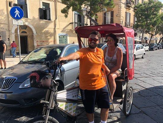 Tour della città di Bari in risciò: Giuseppe van Velo Service