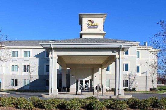 Sleep Inn & Suites Evergreen: Hotel exterior