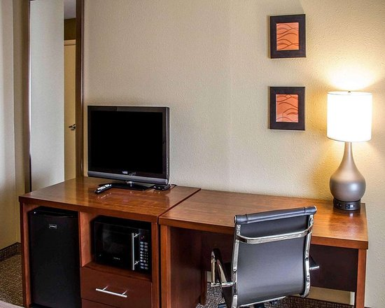 Roseburg, OR: Guest room with flat-screen television