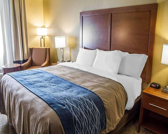 Roseburg, OR: Guest room with king bed
