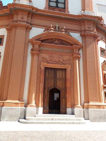 Chiesa di S. Vincenzo: ingresso della chiesa