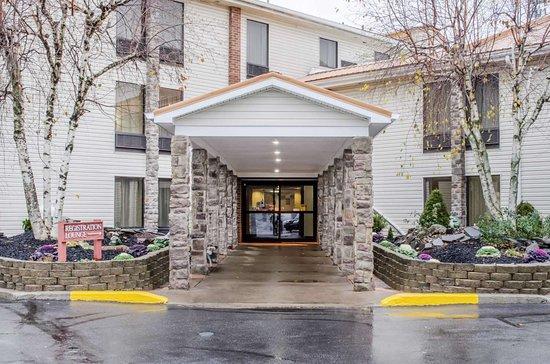 West Hazleton, PA: Entrance