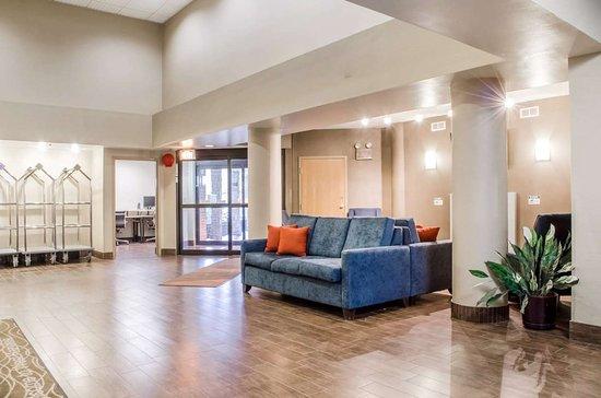 West Hazleton, PA: Hotel lobby