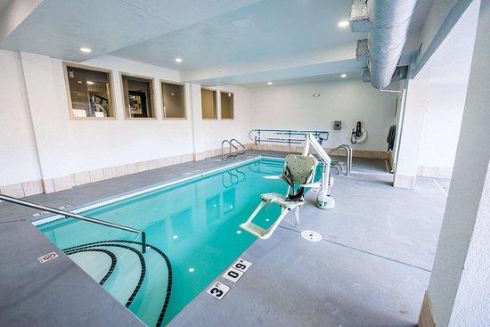 Sleep Inn: Indoor pool