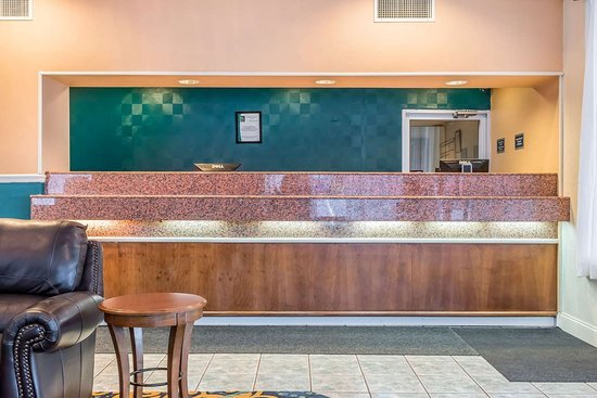 Milesburg, PA: Front desk with friendly staff