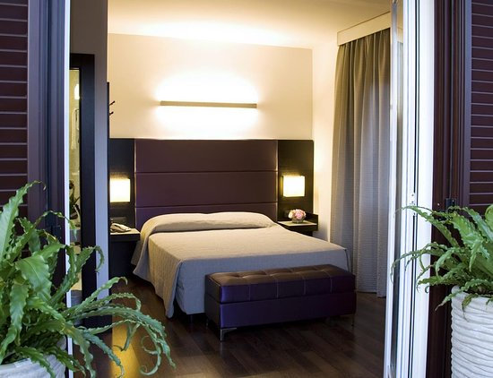 Hotel Caprice: Guest Room