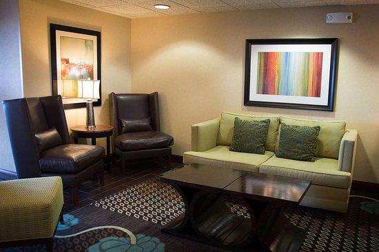 hampton inn danville 109 1 2 9 updated 2018 prices. Black Bedroom Furniture Sets. Home Design Ideas