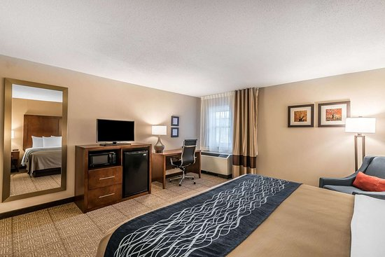 Comfort Inn Concord: Guest room with king bed(s)