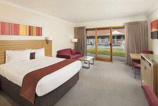 Julie-Anna Inn, Bendigo: Spacious guest room