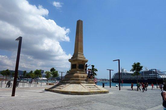 Monumento a los Corsarios
