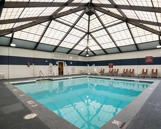 Quality inn manchester airport updated 2018 prices hotel reviews nh tripadvisor for Manchester airport hotels with swimming pool