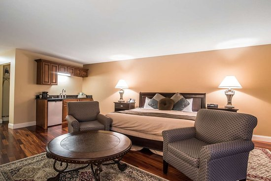 West Chesterfield, Nueva Hampshire: Elegantly appointed king room