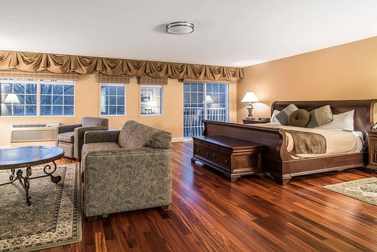 West Chesterfield, Nueva Hampshire: Artistically appointed guest room