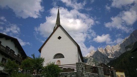 Lago di Alleghe: Chiesa di Alleghe