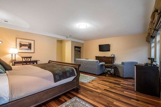 West Chesterfield, Nueva Hampshire: Guest room with sitting area