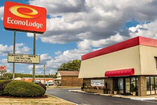 Creedmoor, NC: Hotel exterior