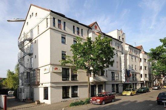 Mini Kühlschrank Handelshof : Gute lage gutes preis leistungsverhältnis acora hotel und wohnen