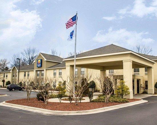 Clinton, Carolina del Norte: Hotel exterior