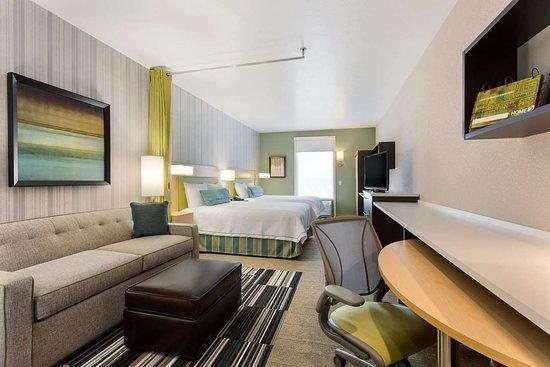 Murray, UT: Two Queen Beds Studio Suite