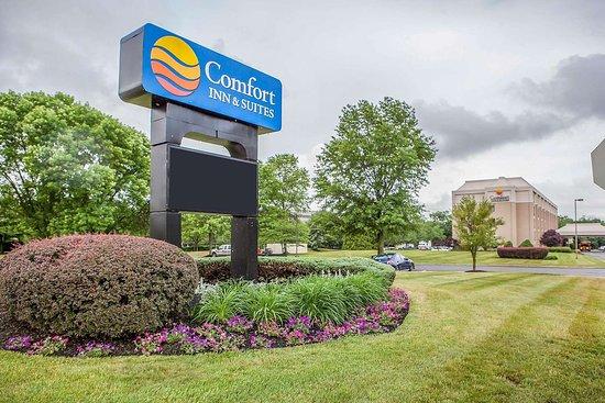 Comfort Inn Amp Suites 76 ̶1̶0̶4̶ Prices Amp Hotel