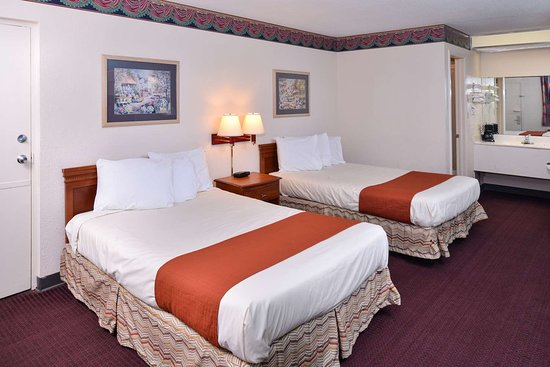 two double beds picture of americas best value inn wildersville rh tripadvisor com