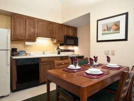 Copley, OH: Penthouse Suite