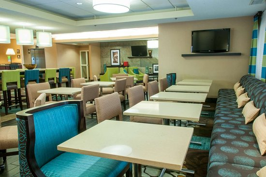 Hampton Inn Louisville-North/Clarksville: Restaurant