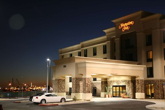 Hampton Inn Las Vegas/North Speedway: Exterior