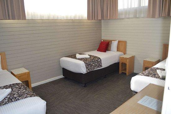 Best Western Endeavour Motel: Queen & 3 Singles