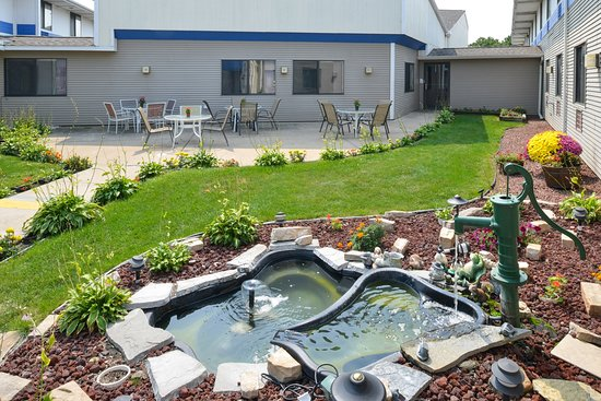 Americas Best Value Inn La Crosse: Garden