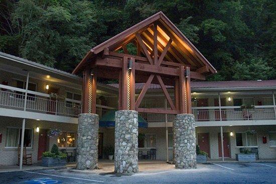 Econo Lodge Cherokee: Hotel entrance