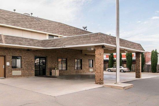Quality Inn Suites Hotel In Alamogordo Nm