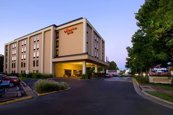 Hampton Inn Fairfax City: Exterior
