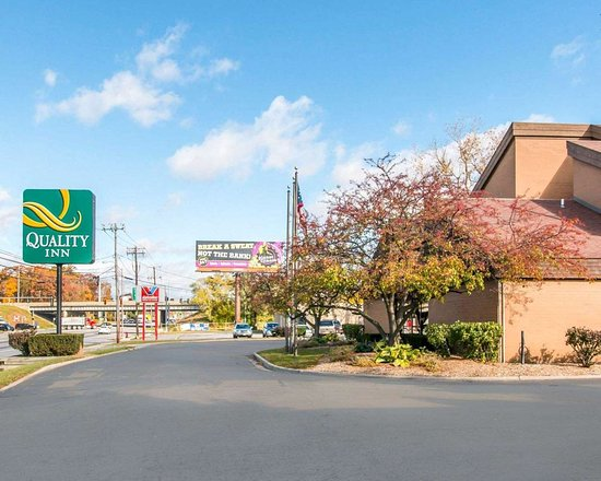 Quality Inn hotel in Toledo, Ohio
