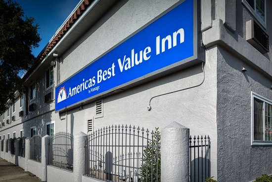 Americas Best Value Inn - Richmond / San Francisco: Exterior with Sign