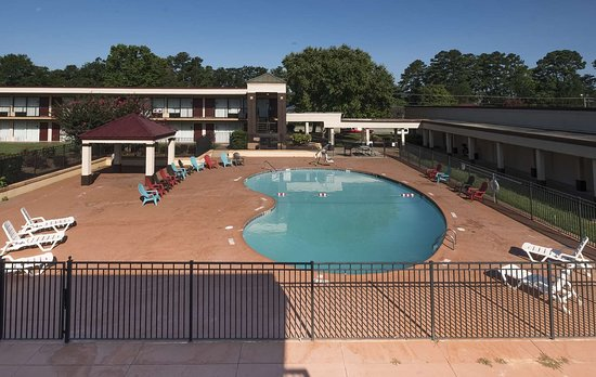 Anderson, SC: Pool