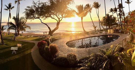 The Hale Pau Hana: Pool and grounds at sunset. Guest photo courtesy @chiefshk.