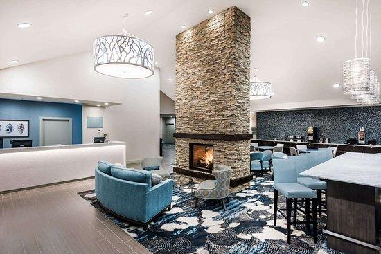Howard Johnson by Wyndham Middletown Newport Area: Lobby