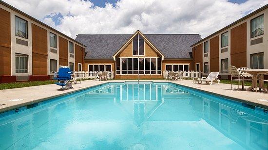 Best Western Wytheville Inn: Pool View