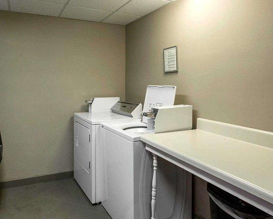 Sleep Inn: Guest laundry facilities